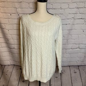 Old Navy || cream cable knit sweater
